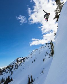 Interior British Columbia is known for perfect drops like this one. @iikkabackstrom filming for @wildcats_themovie. #WildcatWenesday. Photo: @erinhogue
