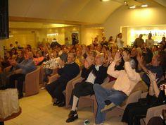 El público aplaudiendo a Opus Cuatro en Miraflores.