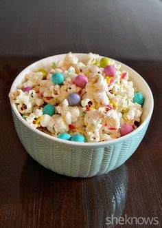 LOL! Not your ordinary snack mix ... how to make unicorn poop for an awesome birthday party snack!