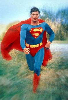 Color corrected by me. There, that's better! Comic Superman, Superman Love, Superman News, Supergirl Superman, Superman Man Of Steel, Superman Images, Christopher Reeve Superman, Dc Comics, Action Comics 1