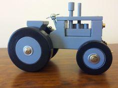 model_grey_tractor_1.jpg (800×600)