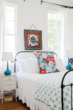 Beach Themed Bedrooms Ideas: Beach house bedrooms from our amazing beach house tours, as well as beach bedroom decor inspiration with an assortment of Beach House Bedroom, Beach Bedroom Decor, Bedroom Themes, Home Bedroom, Beach Cottage Bedrooms, Cottage Bedroom Decor, Bedroom Country, Bedroom Designs, Modern Bedroom