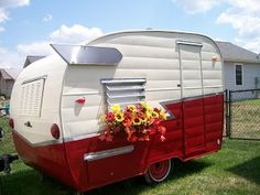 On A Roll Vintage Trailers Camper Mobile Art Gallery