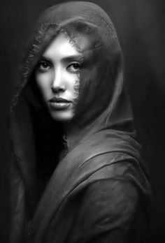 It's obvious that the artist of this photo is a great photographer. He uses Great Lighting and B/W Film to surround this Beautiful Face and make that your focal Point when your Eyes Looks On the Portrait. Portrait Photography Men, Photography Editing, People Photography, Abstract Photography, Black And White Portraits, Black And White Photography, Iranian Beauty, Great Photographers, Interesting Faces