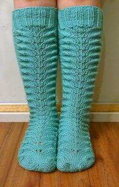 Arkimamman Arkiralli Cable Knit Socks, Knitting Socks, My Socks, Cool Socks, Awesome Socks, Tunisian Crochet, Knit Crochet, Knitting Charts, Marimekko