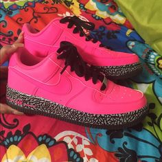 Hot Pink Low Top NIKES Hot pink NIKES  for SALE! A small crease in the front still in great condition. Willing to make offers because of the small crease in the front. Nike Shoes Sneakers