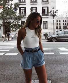 outfit looks / outfit looks . outfit looks ideas . outfit looks 2019 . outfit looks summer . outfit looks style Cute Outfits With Leggings, Legging Outfits, Nike Outfits, Summer Outfits For Teens, Trendy Outfits, Spring Outfits, Spring Dresses, Summer Clothes, Summer Outfits For Vacation