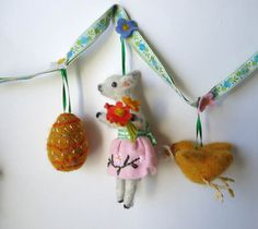 A Polar Bear's Tale: A gorgeous Easter garland