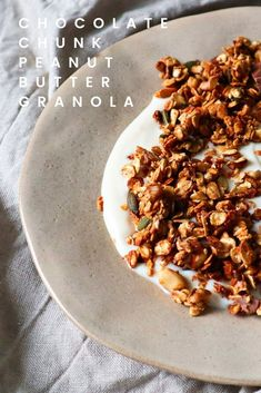 I can't even express how much I love the combination of nuts and chocolate. This Chocolate Chunk Peanut Butter Granola is, as you might imagine, right up my alley! I add it to Greek yogurt with a drizzle of agave syrup, or to vanilla yogurt for a crunchy and creamy snack! #granola #breakfast #chocolatechunk #peanutbutter Peanut Butter Granola, Vanilla Yogurt, Vegetarian Chocolate, Greek Yogurt, Syrup, Make It Simple, Snacks, Homemade, Breakfast