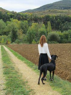 Aquí en Navarra no sólo tenemos el Black Friday, aquí empiezan los black days. Esos días oscuros, nublados, encapotados en los que sacar una foto es imposible y pensar con claridad también. Yo, cua…