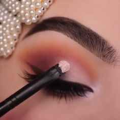 eyeshadow looks Soft Warm Glam. By: Makeup, Eye Makeup, Eyeshadow Looks. Glam Makeup Look, Makeup Eye Looks, Eyeshadow Looks, Beauty Makeup, Makeup Trends, Makeup Inspo, Makeup Ideas, Rainbow Makeup, Colorful Eye Makeup
