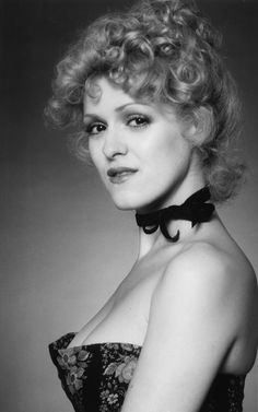 """vintageruminance: """"Bernadette Peters in low-cut dress, early """" Classic Actresses, Female Actresses, Actors & Actresses, Margaux Hemingway, Bernadette Peters, Vintage Hollywood, Classic Hollywood, Madeline Kahn, It's All Happening"""