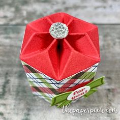 Mini Hexagon Star Box with Video Tutorial - The Paper Pixie Christmas Truffles, Christmas Favors, Christmas Paper Crafts, Box Template Maker, Treat Holder, Craft Show Ideas, Card Making Inspiration, All Things Christmas, Pixie