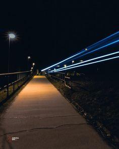 Trains of the night! @legionxstudios @catschnaps @instagood @glassbokeh @alenpalander - - - #nightphoto #bridge #clearsky #nightsky #nightskyphoto #citylight #citynight #nightcityphoto #photographyy #photography #landscapephoto #train #budapest #hungary #traing #flash #longexpo #longexposure #expoaddict #longexpolover