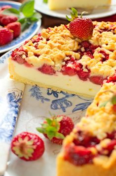 Sernik z truskawkami Easter Recipes, New Recipes, Dessert Recipes, Cooking Recipes, Breakfast Menu, Strawberry Cheesecake, Sweet Cakes, Cheesecakes, Healthy Cooking