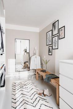36 popular rustic farmhouse living room decor ideas for comfortable home Home Design, Interior Design, Simple Interior, Interior Ideas, Interior Inspiration, Interior Architecture, Interior Decorating, Decor Room, Bedroom Decor