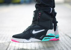 Nike Air Command Force Spurs Euro Release Date Nike Free Shoes, Nike Shoes Outlet, Running Shoes Nike, Pink Sneakers, Sneakers Nike, Kicks Shoes, Site Nike, Sneaker Magazine, Me Too Shoes