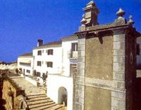 Setubal guide: read a travel guide to Setubal in Portugal including Setubal accommodation, transport, places to visit and things to see and do. Beautiful Sites, Beautiful Places, Portugal, Medieval Castle, Vivo, Cathedrals, Historical Sites, Homeland, Monuments