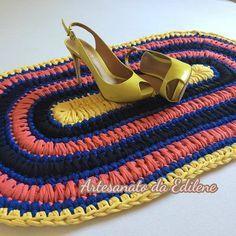 Meu primeiro tapete de crochê em fio de malha #inlove  Cada dia mais apaixonada por fio de malha! ❤ .  #feitoamão #feitoporbrasileiros #crochê #crochet #crochetlove #crochetando #crochetday #crocheaddict #crochê #fiodemalha #trapillo #artesanato #tapetedecrochê #tapeteemfiodemalha #tapete #crocheting #trapilho @eurofiosoficial @pragentemiuda Mari amo você, melhoras.