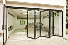 Ideas garden art studio garage – Garden & Tips Glass Garage Door, Garage Door Design, Garage Doors, Glass Doors, Folding Walls, Folding Doors, Art Studio At Home, Home Art, Atelier Creation