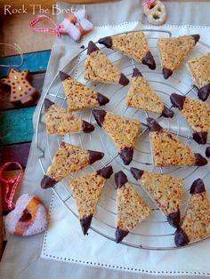 bredele Archives - Rock the Bretzel French Christmas, Cookies Et Biscuits, Fodmap, Biscotti, Macarons, Christmas Cookies, Coco, Cookie Recipes, Deserts