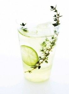 winter thyme & lime cocktail