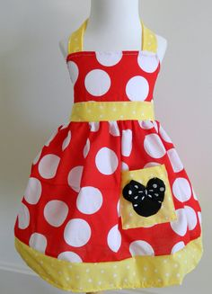 Large dots in a Minnie Mouse dress. would be a cute little girl apron too!
