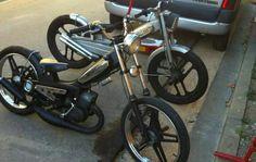 Mobylette customisé Moped Scooter, Vespa Scooters, Scooter Custom, Custom Bikes, Peugeot 103, Vintage Moped, Build A Bike, Old Bikes, Bike Frame