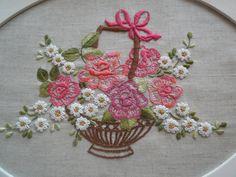 https://flic.kr/p/eiuLa4   Bandeja com cesta de flores... ...   Flores e beijihos pra todas as Mães e Amigas do Flickr ...! Para a minha Mãezinha que já está o céu, mil Saudades !