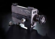 Darunter auch die Filmkamera, die seine ersten Schritte auf dem Mond gefilmt...