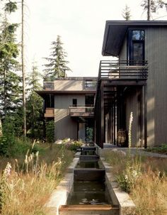 A home in tune with the rhythms of nature: Bird Watchers' House in Puget Sound, WA, designed by Olson Kundig Architects. Photo by Paul Warchol. Sustainable Architecture, Contemporary Architecture, Dream Home Design, House Design, Three Story House, Outdoor Buildings, Concrete Wood, Rural Area, Global Design