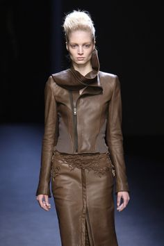 Haider Ackermann Fall 2010 Runway Pictures - Livingly