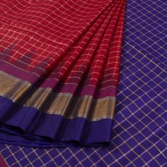 Handwoven Reddish Pink Gadwal Kuttu Silk Saree With Checks & Temple Border 10012347 - AVISHYA.COM