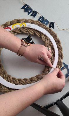 Nautical Rope Wreath Tutorial - Life as a LEO Wife Nautical Rope, Nautical Wreath, Wreath Crafts, Diy Wreath, Burlap Wreaths, Cute Crafts, Diy And Crafts, Leo Wife, Wreath Tutorial