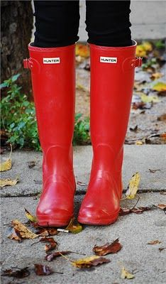 Red Hunter Wellies - just the perfect hue for crunching through leaves en route to the stables. #preppy #wellies #boots #shoes #equestrian