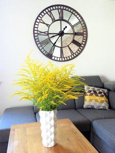 żółte dodatki salon