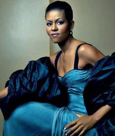 First Lady Michelle Obama is simply beautiful in this pose for Vogue. This shot was taken by world famous photographer Annie Leibovitz Annie Leibovitz, Michelle Obama, Black Is Beautiful, Most Beautiful Women, Beautiful People, Simply Beautiful, Amazing Women, Beautiful Wife, Naturally Beautiful