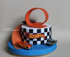 LeDeliziediVe: HOT WHEELS CAKE TOPPER