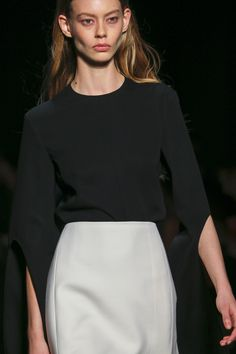 Narciso Rodriguez Fall 2017 Ready-to-Wear Accessories Photos - Vogue