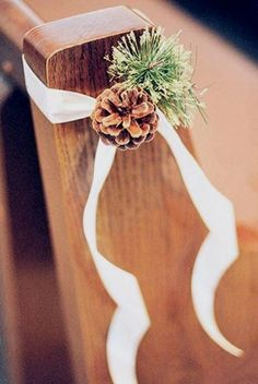 Ideas wedding ceremony decorations church pew ends. Elegant Winter Wedding, Winter Wedding Flowers, Wedding Colors, Trendy Wedding, Winter Weddings, Winter Bride, Wedding Vintage, Perfect Wedding, Fall Wedding