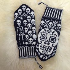 Ravelry: Designs by JennyPenny Knitted Mittens Pattern, Fair Isle Knitting Patterns, Knit Mittens, Knitted Gloves, Fingerless Mittens, Hat Patterns, Stitch Patterns, Hand Knitting Yarn, Easy Knitting