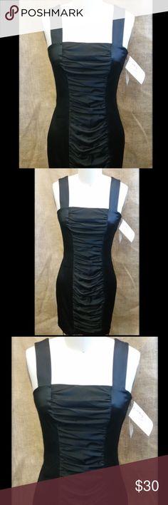 """Jessica McClintock GUNNE SAX 2 Satin Dress Jessica McClintock GUNNE SAX 2 Satin Dress - Size 3 - under and around arms 30"""" - length 26.5"""" Jessica McClintock Dresses"""