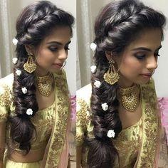 26 Ideas Hair Wedding Guest Updo Brides For 2019 - Frisuren Hochzeitsgast Saree Hairstyles, Indian Wedding Hairstyles, Hairstyles Haircuts, Braided Hairstyles, Stylish Hairstyles, Ethnic Hairstyles, Hairstyles Videos, Simple Hairstyles, Everyday Hairstyles