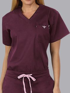 Simple but perfect. Love the color combo(Vet Tech Apparel) Cute Lazy Outfits, Casual Outfits, Medical Scrubs, Dental Scrubs, Healthcare Uniforms, Stylish Scrubs, Cute Scrubs, Scrubs Uniform, Womens Scrubs
