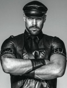 Leather, leather and rubber, some other gear. Like real men and kinky play. Second Skin, Bearded Men, Hairy Men, Leather Men, Biker Leather, Leather Jackets, Black Leather, Sexy Men, Hot Men