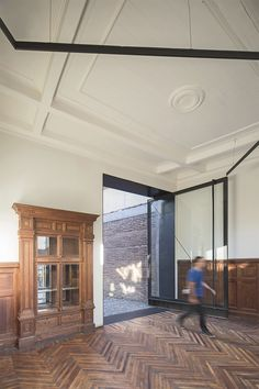 SCL architecture transforms a hundred-year-old house into an event space in chile