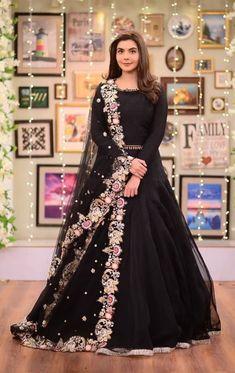 - Source by - Asian Wedding Dress Pakistani, Pakistani Gowns, Indian Wedding Gowns, Pakistani Formal Dresses, Pakistani Dress Design, Pakistani Outfits, Pakistani Actress, Shadi Dresses, Indian Gowns Dresses