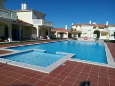 Amazing Apartment in Silver Coast Vale de Janelas, Amoreira Set in Praia del Rei, this apartment features a patio and a garden with a seasonal outdoor pool. The unit is 30 km from Nazar?.  There is a seating area and a kitchen complete with a dishwasher and an oven.