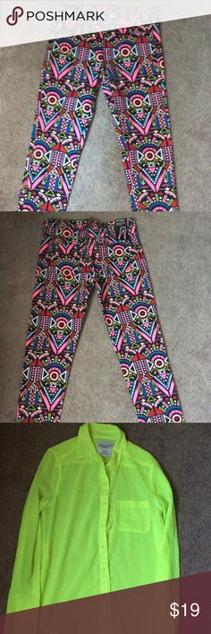 Printed multi color Pants Printed multi color super slim leg pants, jean jegging like fit. 97% cotton 3% elastane. I do have a shirt that will match nicely and make the pants pop . Can be purchased separately Size is an XS. If interested please inquire. H&M Pants Skinny