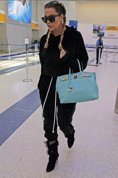 Khloe Kardashian Khloe Kardashian Style, Hermes Birkin, Sport Outfits, Jogging, Fitness, Tops, Fashion, Walking, Moda